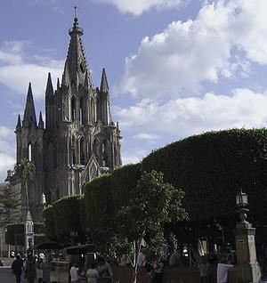 San Miguel de Allende Cathedral from town square